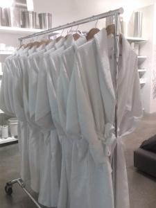 I want a white robe