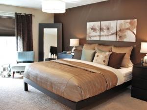 Multi chocolate bedroom