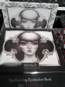 Kat Von D eye palette with great piment