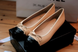 The Ballet Flats (they don't necessarily have to be Chanel) but these are Très Chic