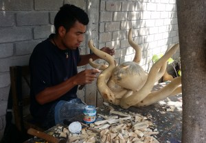 The making of Alebrijes (hand made wooden figues) in Arrazola.