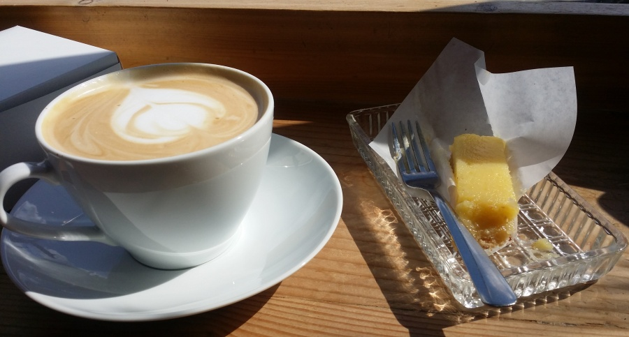Best lemon bar & great latte.