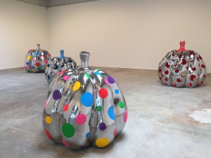 infinity-room-artist-yayoi-kusama-returns-to-new-york-with-a-new-obliteration-room-845-body-image-1431383049