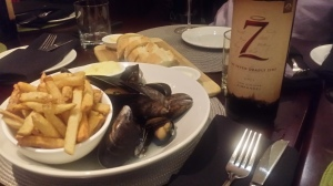 mussels & fries with truffle butter