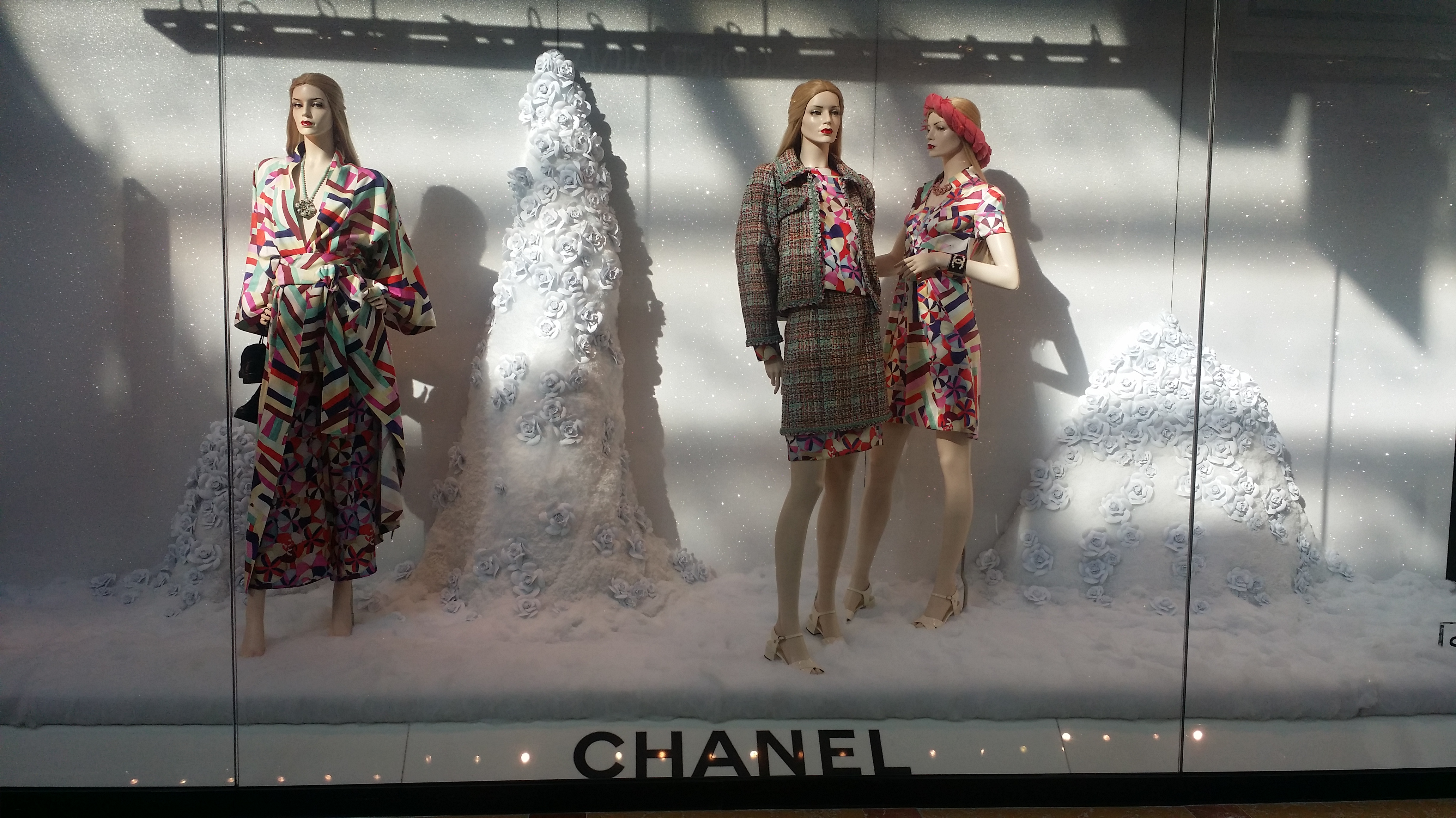Chanel window at the Bellagio Hotel & chanel window display | Girl Who Would be KING