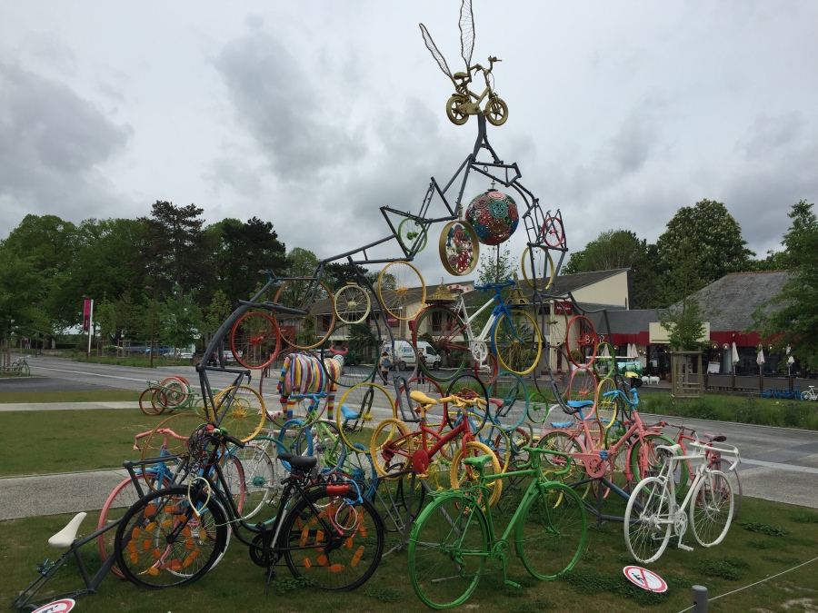 photo: Colleen Kohse public sculpture, Brittany, France