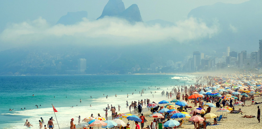BEST FOR FUN AND GAMES: IPANEMA BEACH (RIO DE JANEIRO, BRAZIL) Photo: AMRA/FLICK