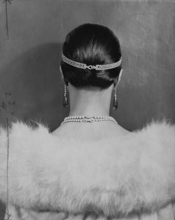 Myrna Loy, c. 1920s. (with pearls down the back)