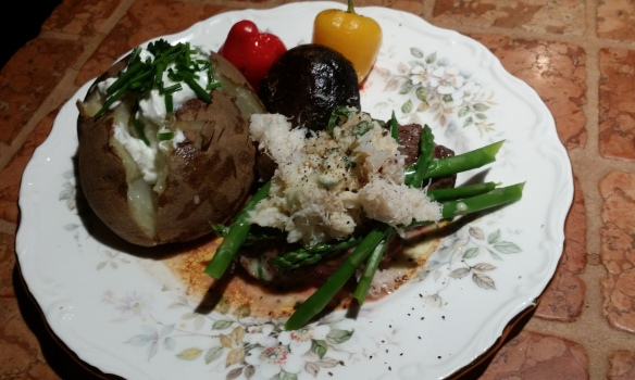 While on a French Food kick I made filet oscar with sauce Béarnaise, dungeness crab claw meat, asparagus, roasted beets, onions & sweet peppers. Divine!